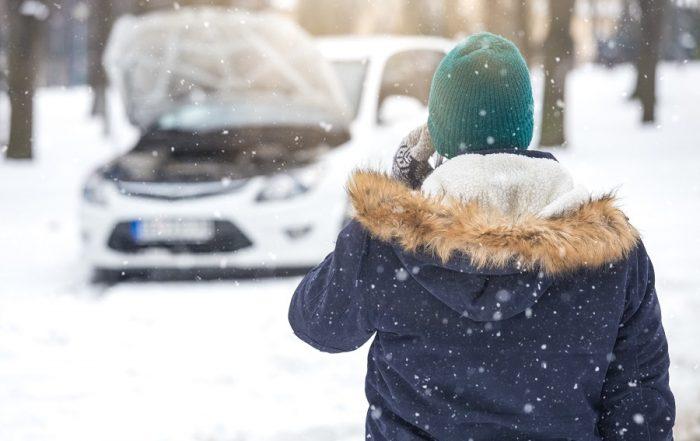 Cómo el taller puede ayudar a sus clientes a preparar su coche para el invierno