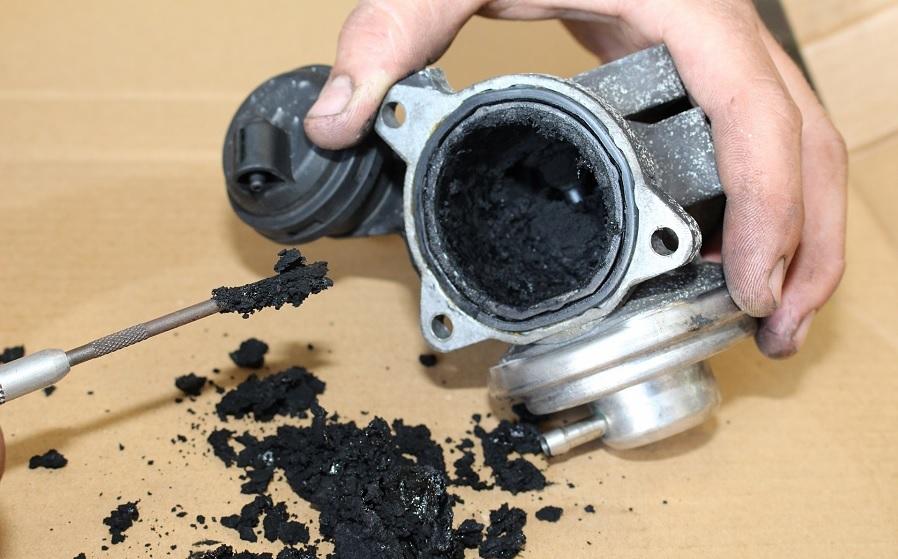 ¿Es posible eliminar los depósitos que acaban saturando la válvula EGR?